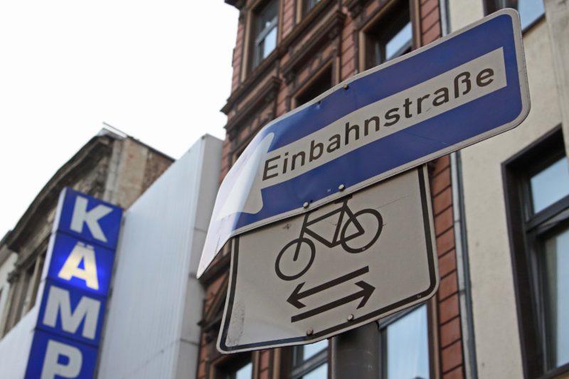 Einbahnstraße, für Radfahrer freigegeben