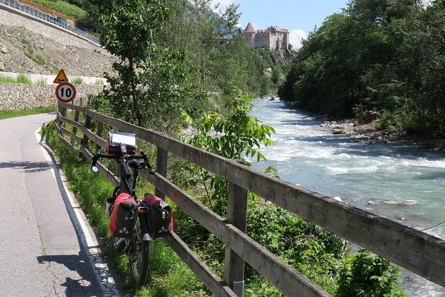 ….schönes Radeln mit Aussicht und Flussbegleitung
